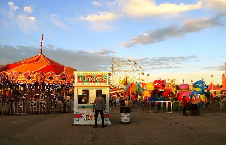 carnival 2570021 1920